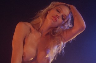 Pamela Anderson nude and hot sex Chelsea Field sexy - Snapdragon (1993) HD 1080p Web (13)