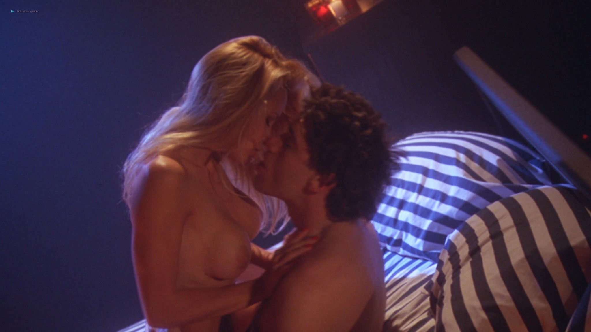 Pamela Anderson nude and hot sex Chelsea Field sexy - Snapdragon (1993) HD 1080p Web (10)