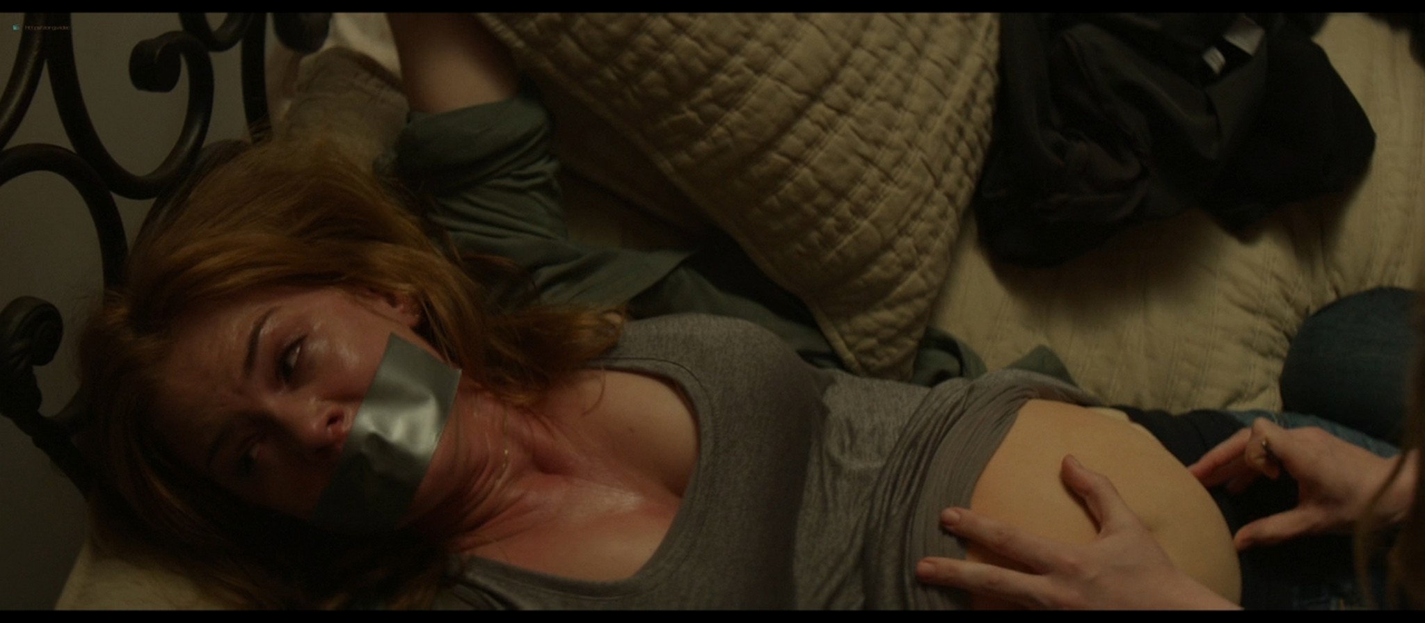 Isla Fisher hot and sexy - Visions (2015) 720p BluRay (2)