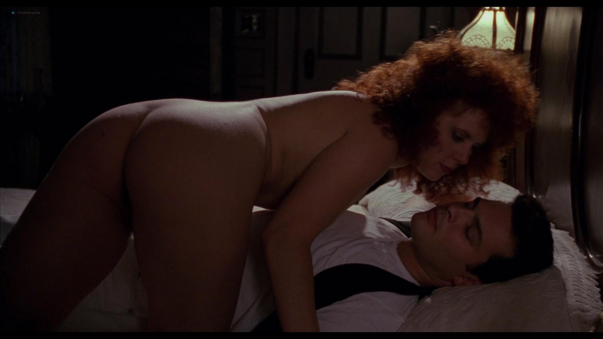 Jennifer Delora nude hot sex - Deadly Manor (1990) HD 1080p BluRay (11)