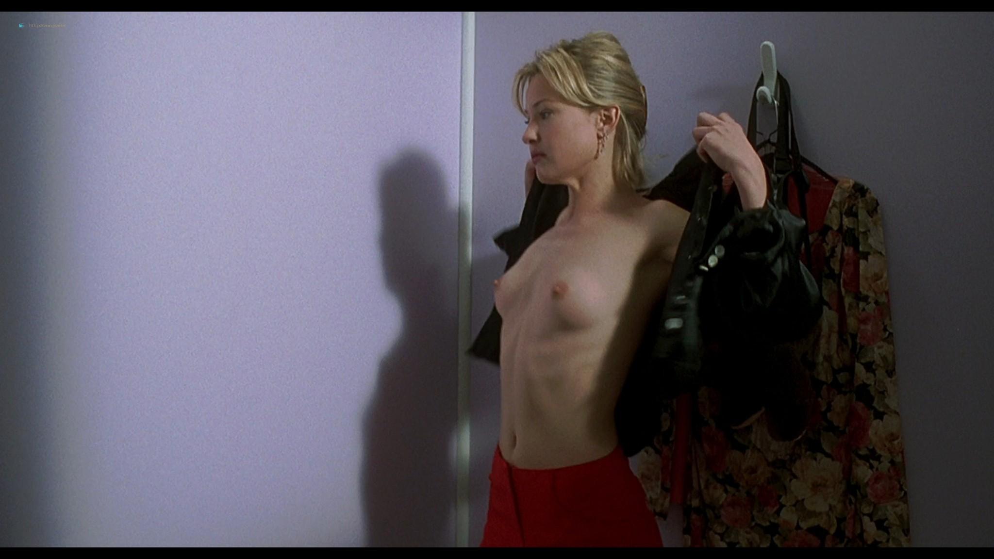 Joey Lauren Adams nude Priscilla Barnes nude topless - Mallrats (1995) HD 1080p BluRay (14)