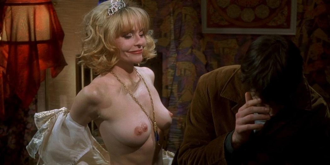Joey Lauren Adams nude Priscilla Barnes nude topless - Mallrats (1995) HD 1080p BluRay (6)