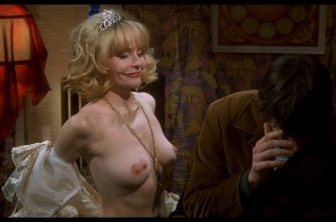 Joey Lauren Adams nude Priscilla Barnes nude topless - Mallrats (1995) HD 1080p BluRay (6)