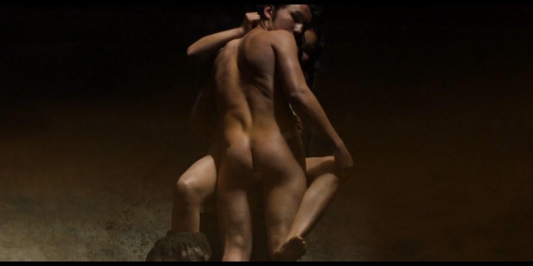 Julianne Nicholson pokies Karen Quintero, Laura Castrillón sexy - Monos (2019) HD 1080p BluRay (12)