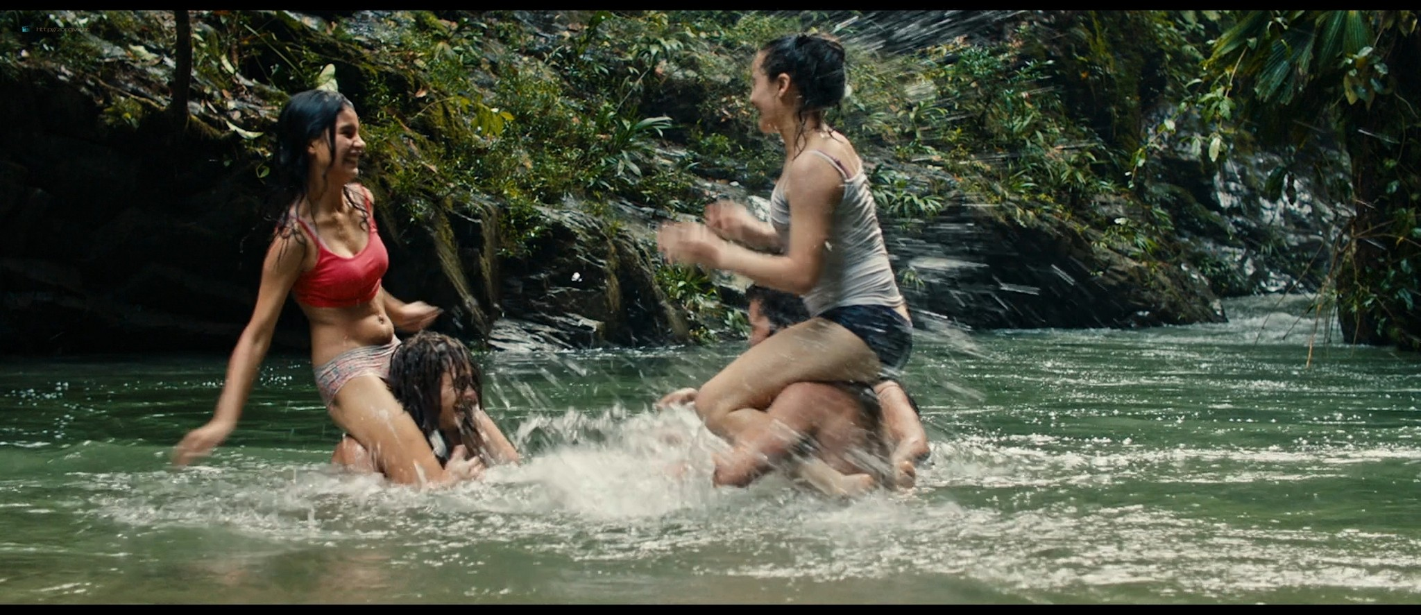 Julianne Nicholson pokies Karen Quintero, Laura Castrillón sexy - Monos (2019) HD 1080p BluRay (11)