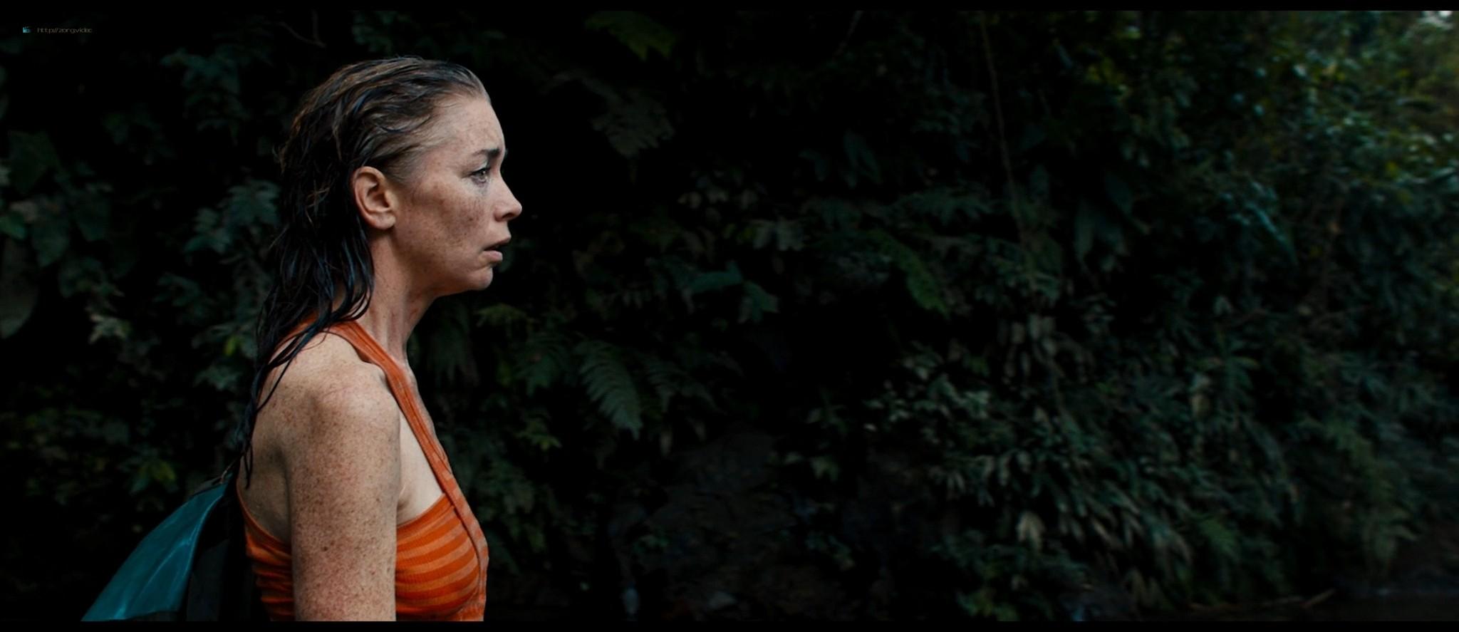 Julianne Nicholson pokies Karen Quintero, Laura Castrillón sexy - Monos (2019) HD 1080p BluRay (8)