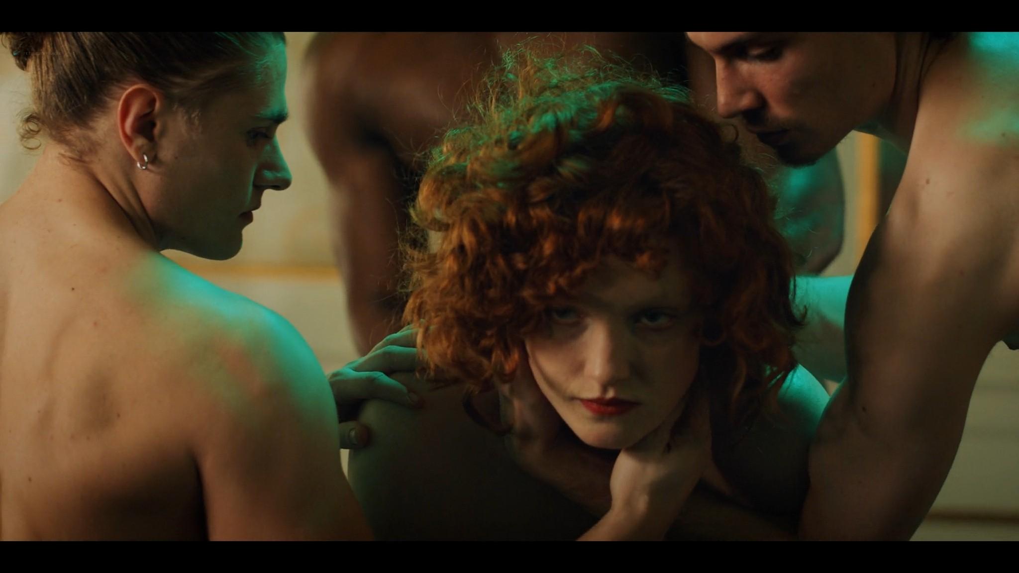 Anne-Laure Vandeputte nude topless Nienke van Hofslot nude sex etc - Women of the Night (2019) s1e7-10 HD 1080p (12)