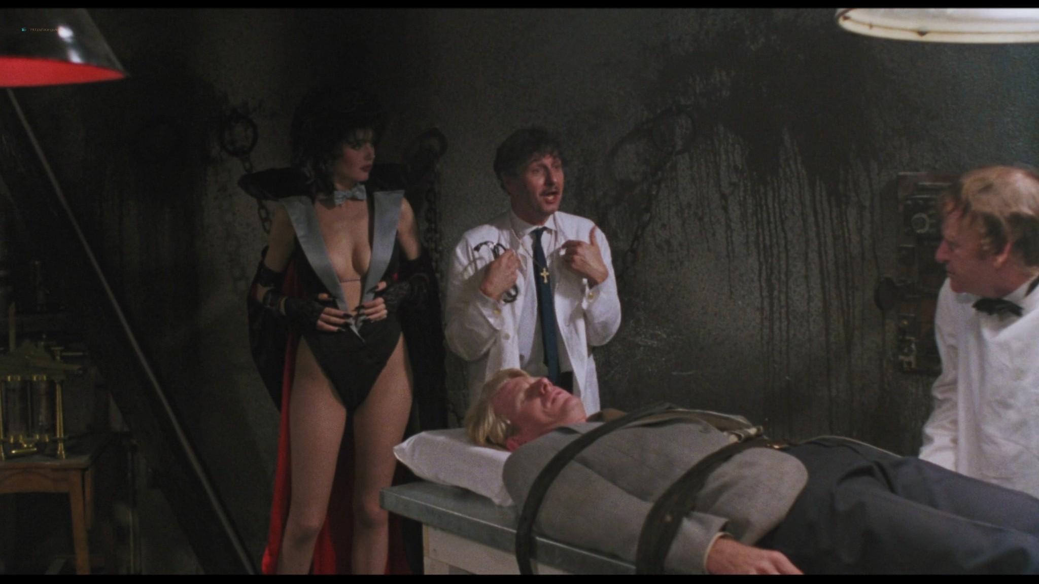 Geena Davis hot and sexy Ksenia Prohaska sexy - Transylvania 6-5000 (1985) HD 1080p BluRay (10)