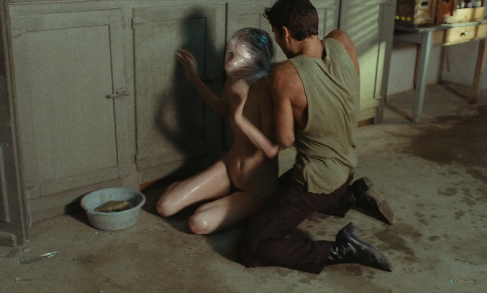 Jane Birkin nude full frontal and sex - Je t'aime moi non plus (FR-1976) HD 1080p BluRay (5)