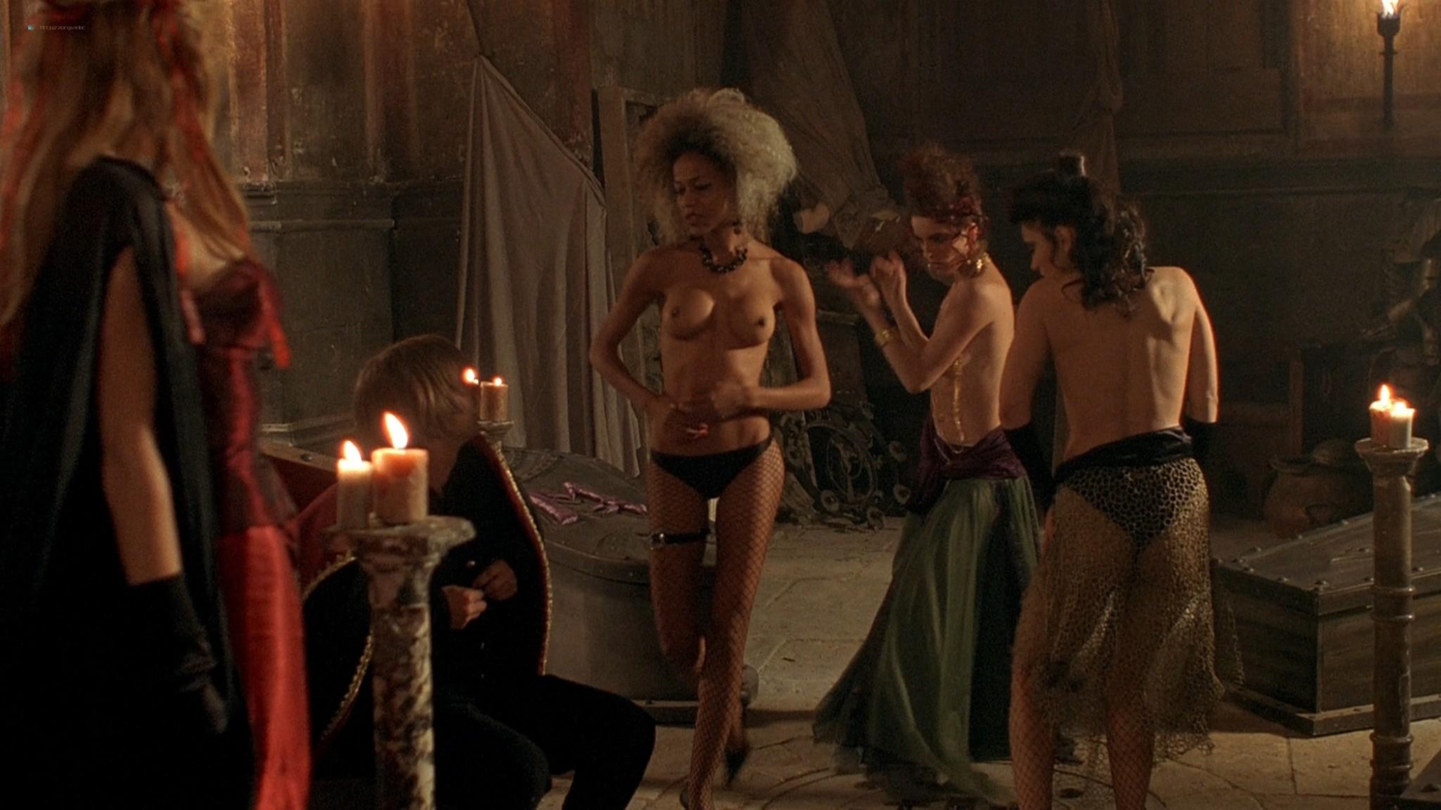 Jennifer Lyons hot Simon Petric, Desiree Malonga and others nude - Transylmania (2009) HD 1080p BluRay (r) (9)