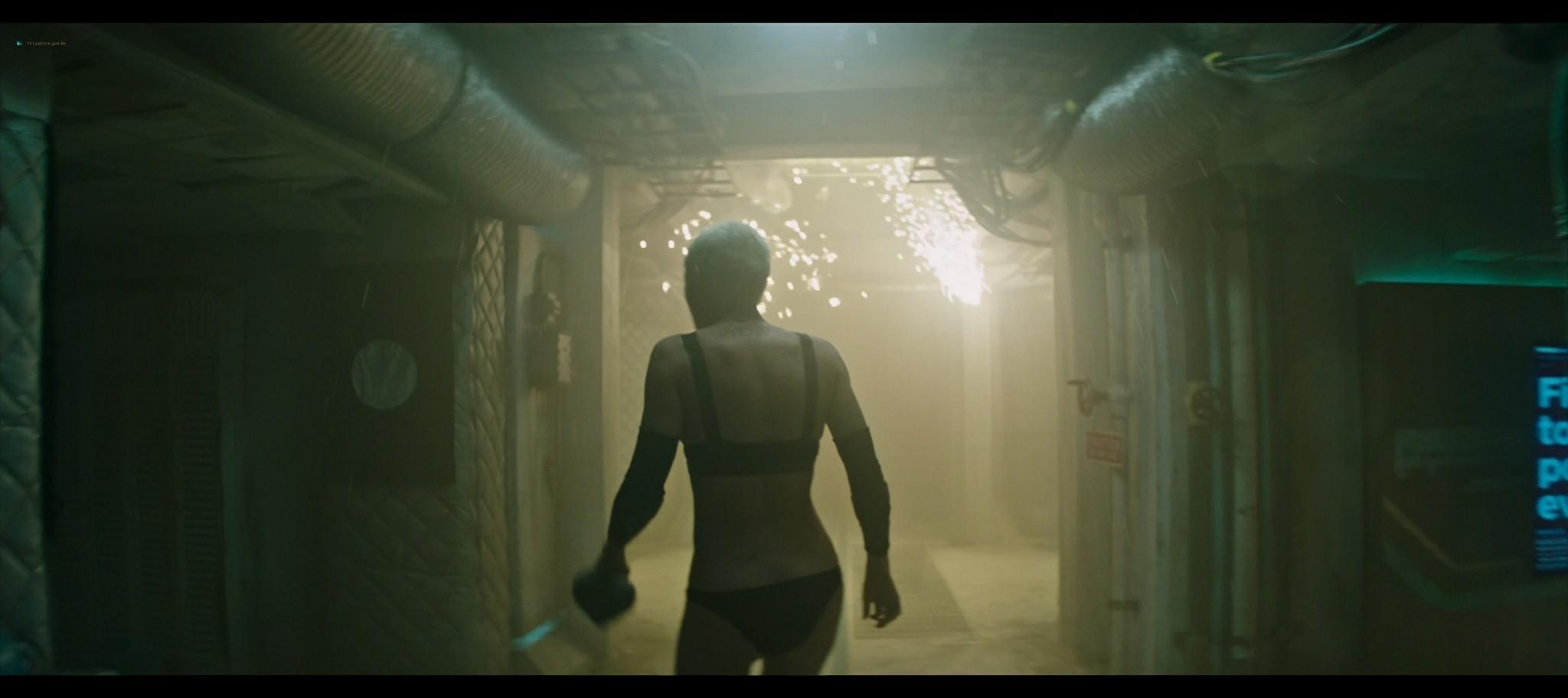 Kristen Stewart sexy Jessica Henwick hot Underwater 2020 HD 1080p BLuRay REMUX 10