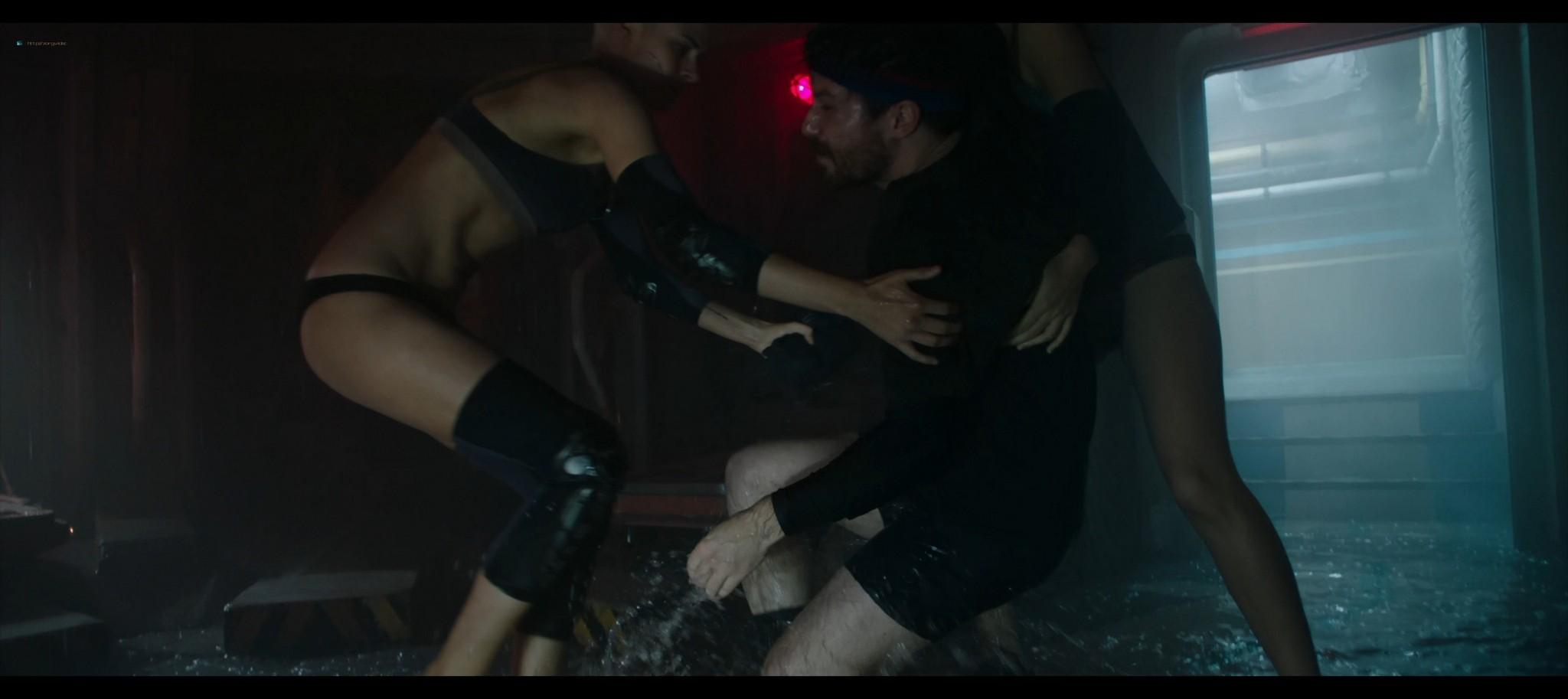 Kristen Stewart sexy Jessica Henwick hot Underwater 2020 HD 1080p BLuRay REMUX 16