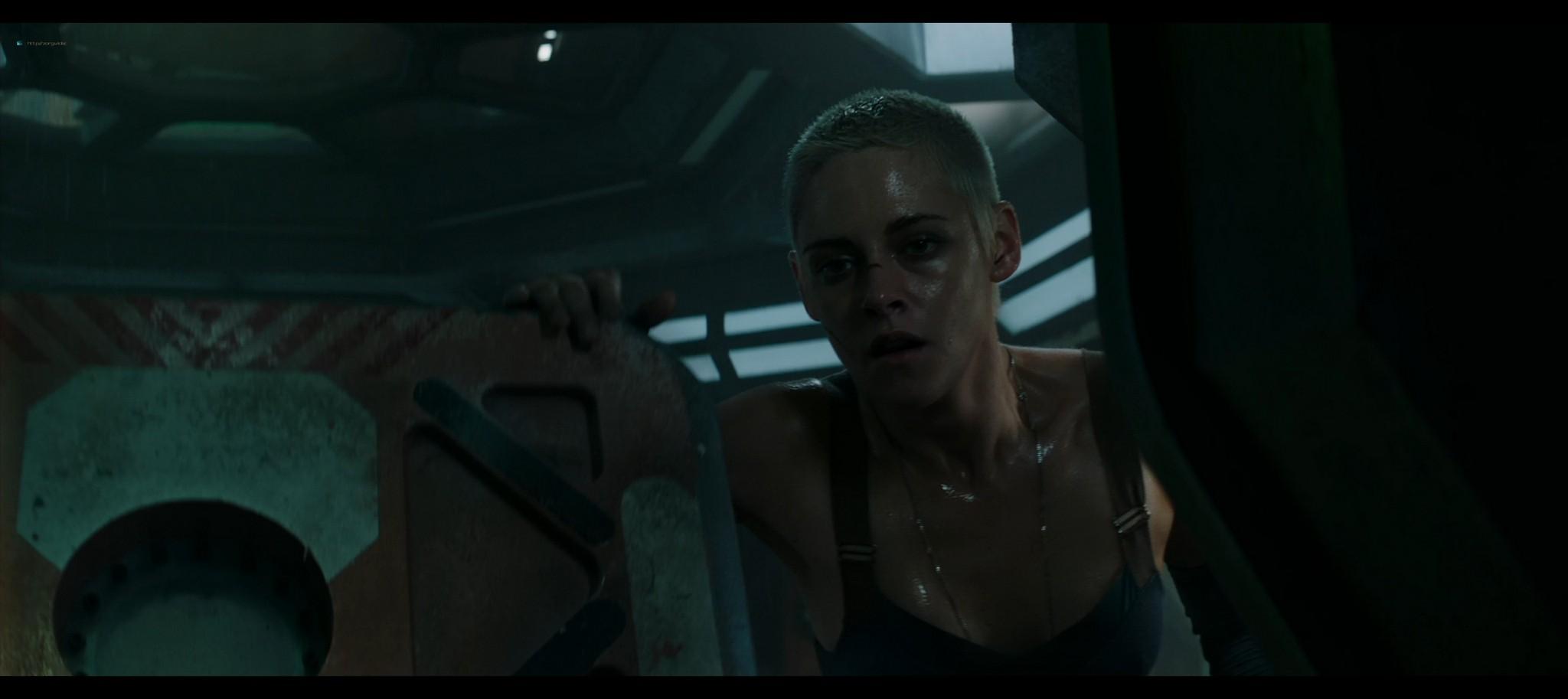 Kristen Stewart sexy Jessica Henwick hot Underwater 2020 HD 1080p BLuRay REMUX 17