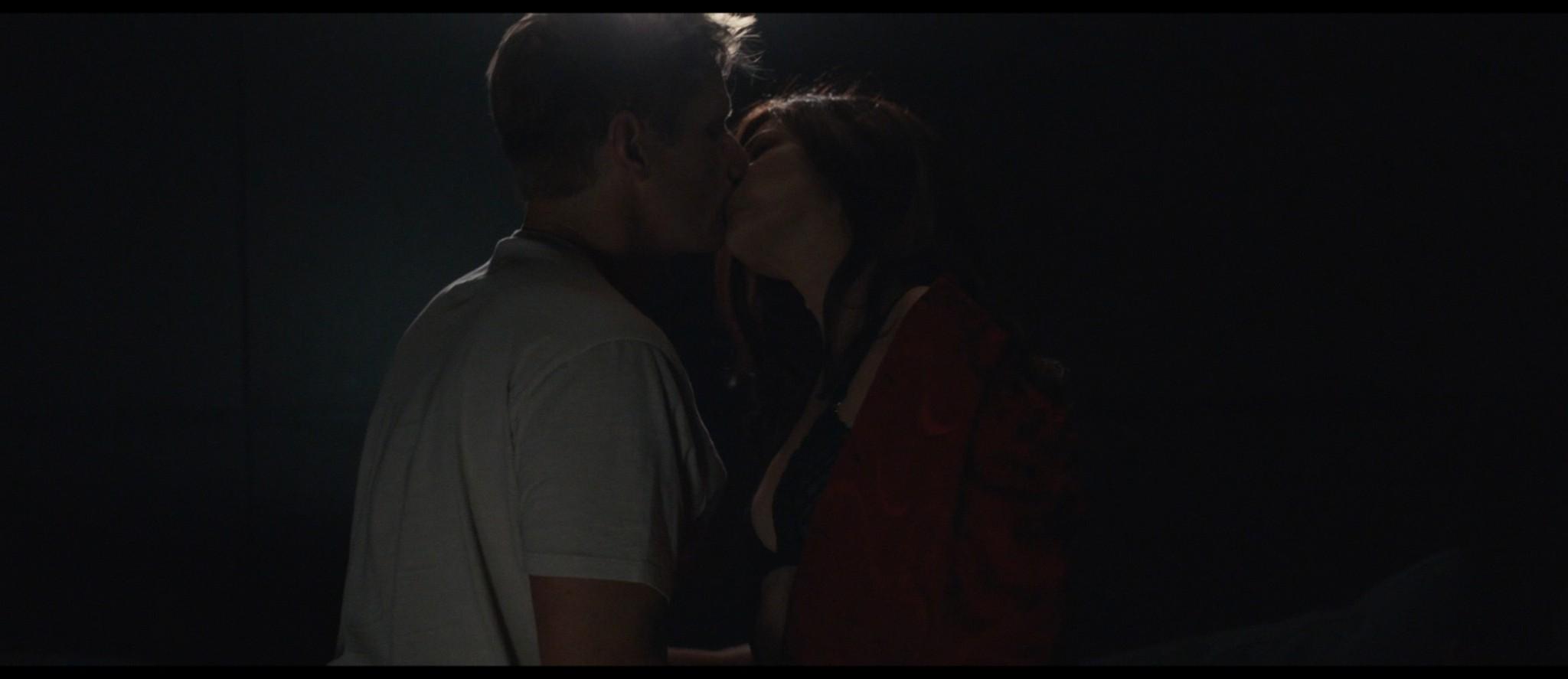 Maya Hawke nude niople and mild sex Marisa Tomei sexy - Human Capital (2019) HD 1080p (12)