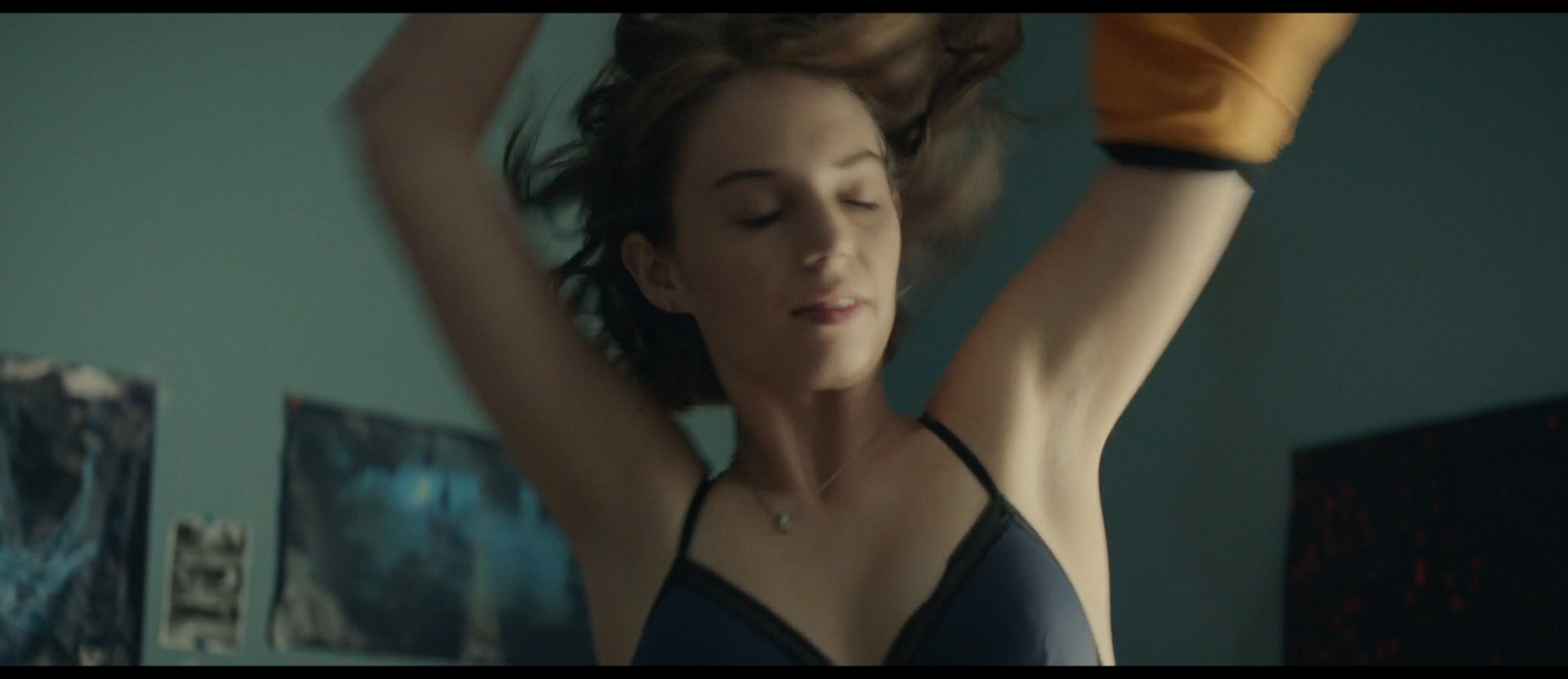 Maya Hawke nude niople and mild sex Marisa Tomei sexy - Human Capital (2019) HD 1080p (8)