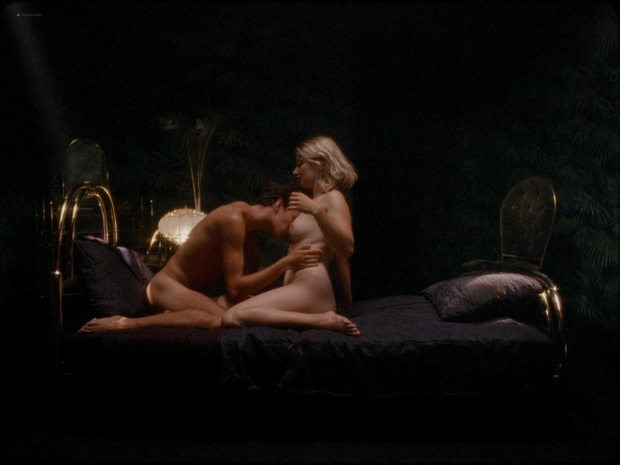 Sarah-Megan Allouch nude Mathilde Mennetrier nude sex - Les îles (2017) HD 1080p (17)