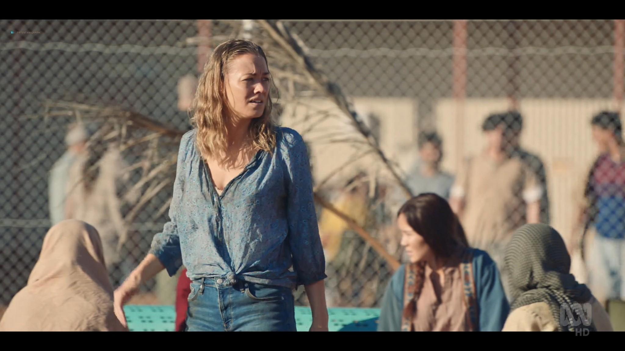 Yvonne Strahovski hot and sexy - Stateless (2020) s1e2 HD 1080p WEB (13)