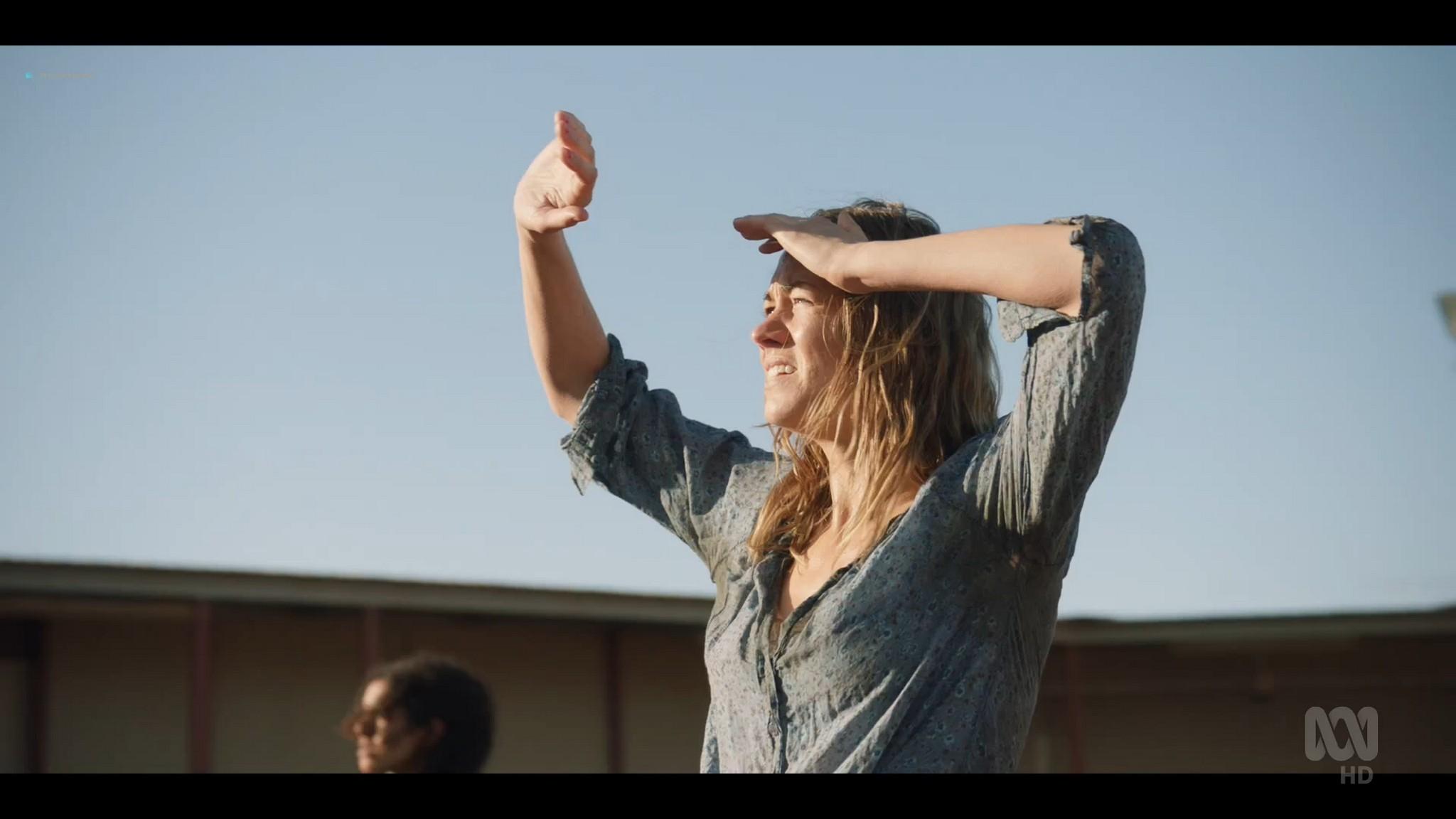 Yvonne Strahovski hot and sexy - Stateless (2020) s1e2 HD 1080p WEB (12)