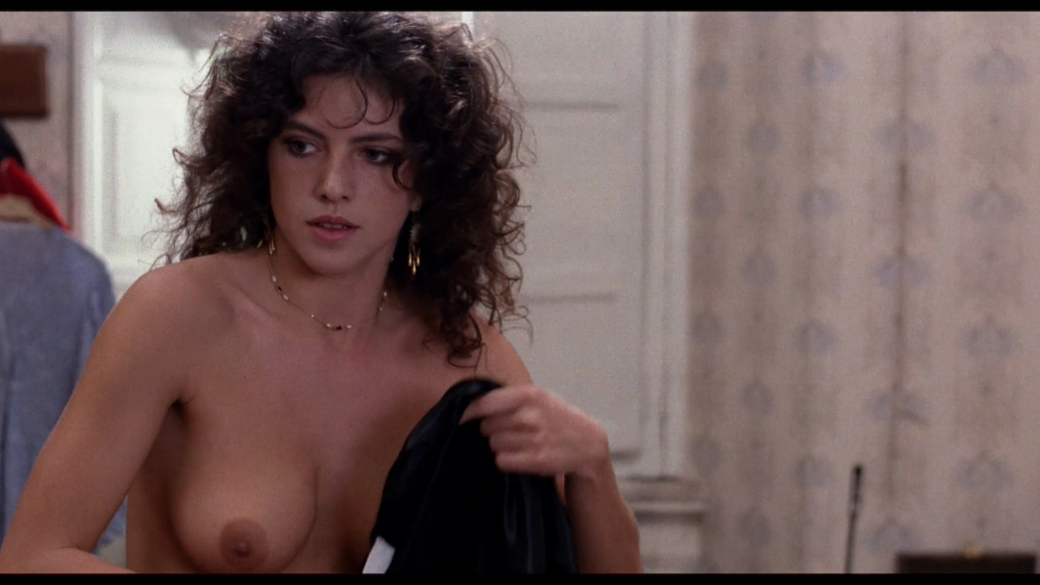 Clio Goldsmith nude full frontal Donatella Damiani sex - Honey (1981) HD 1080p BluRay (5)