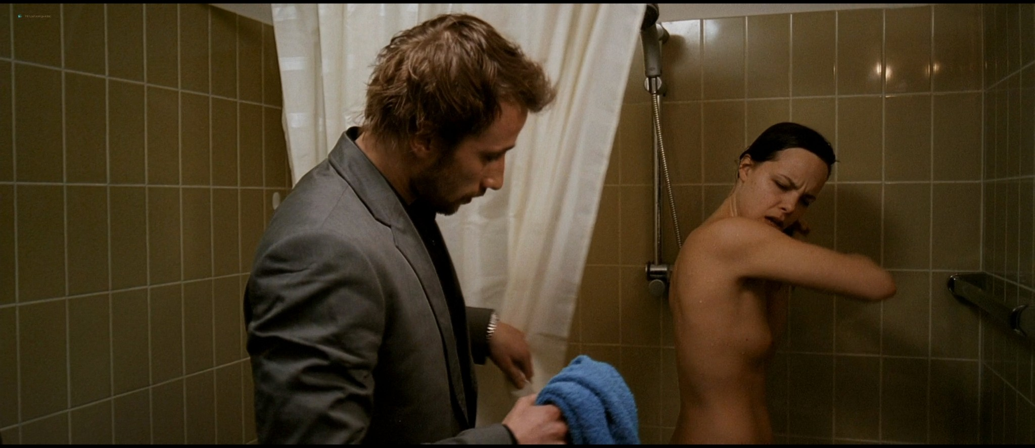 Eline Kuppens nude full frontal and sex - Linkeroever (BE-2008) HD 1080p BluRay (11)