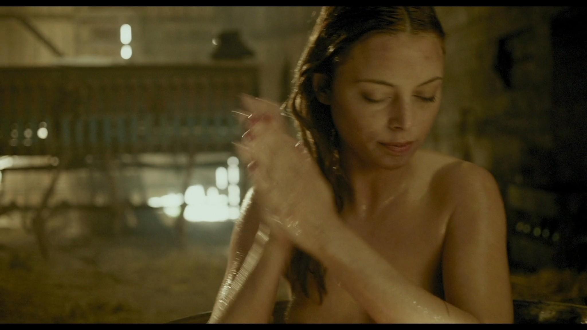 Roos van Erkel nude butt - Het bombardement (NL-2012) HD 1080p BluRay (10)