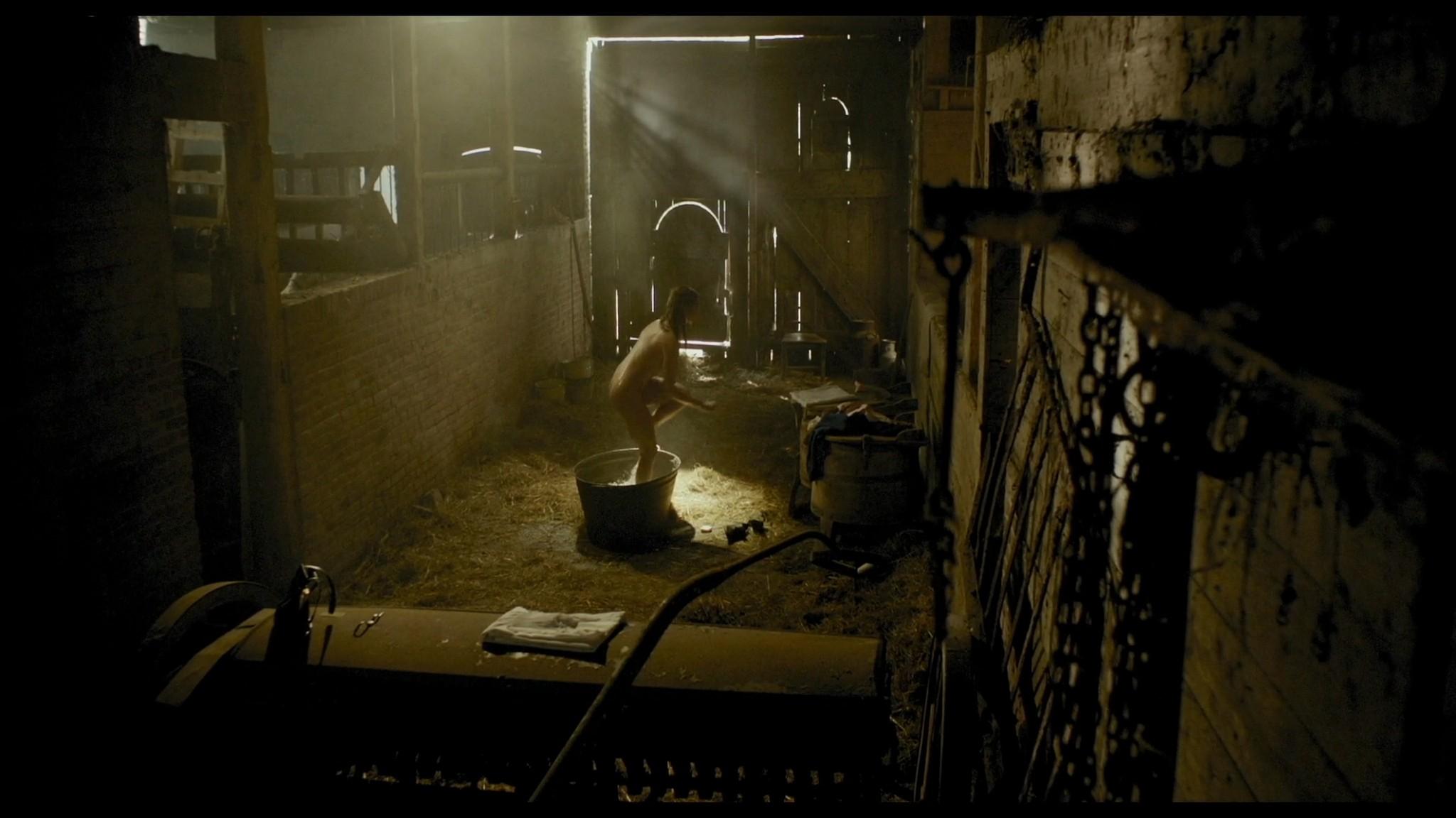 Roos van Erkel nude butt - Het bombardement (NL-2012) HD 1080p BluRay (9)