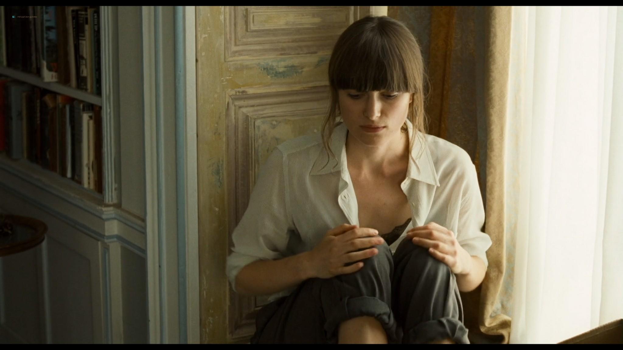 Anna Friel sexy Keira Knightley hot - London Boulevard (2011) HD 1080p BluRay (11)