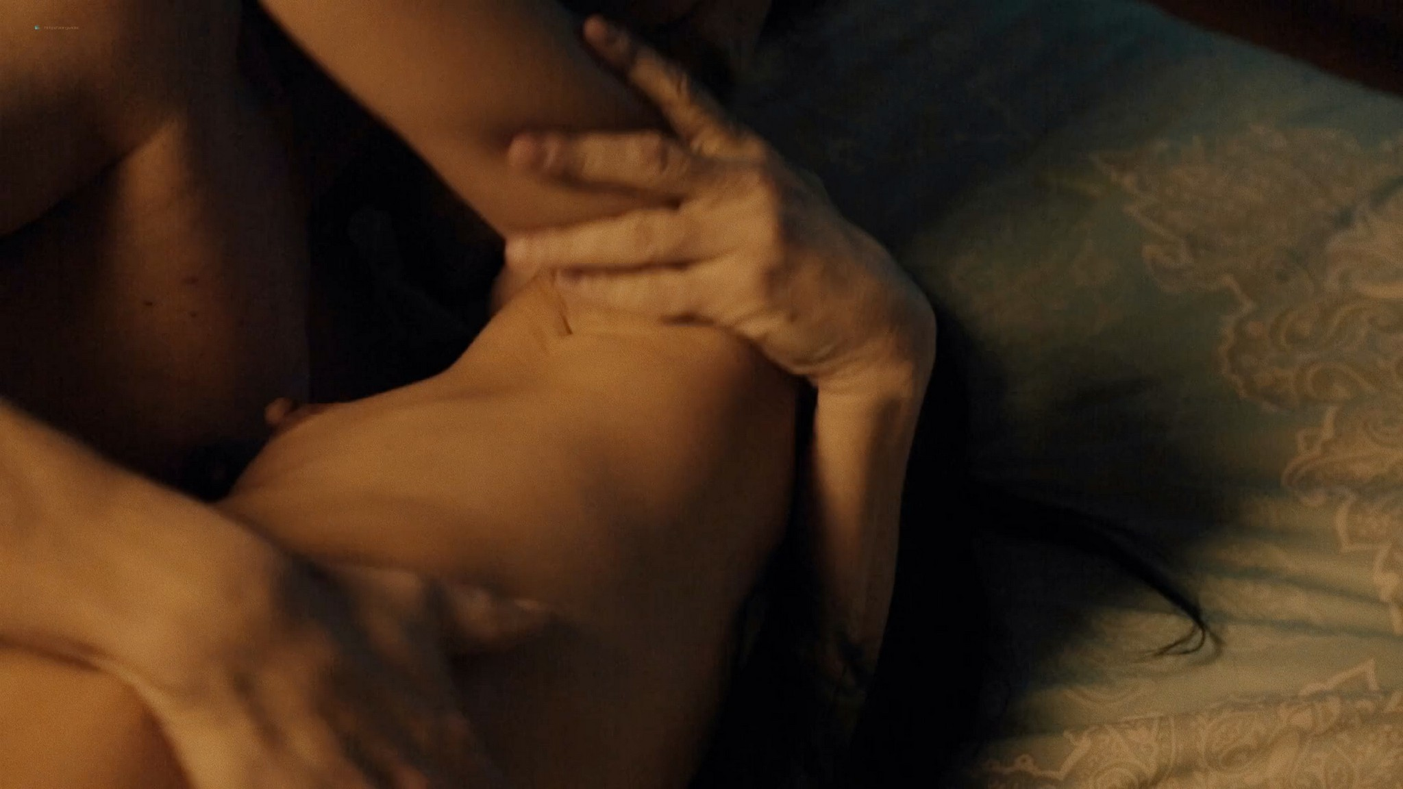Dina Smirnoff nude topless and sex - The Wonderpill (2015) HD 1080p Web (5)