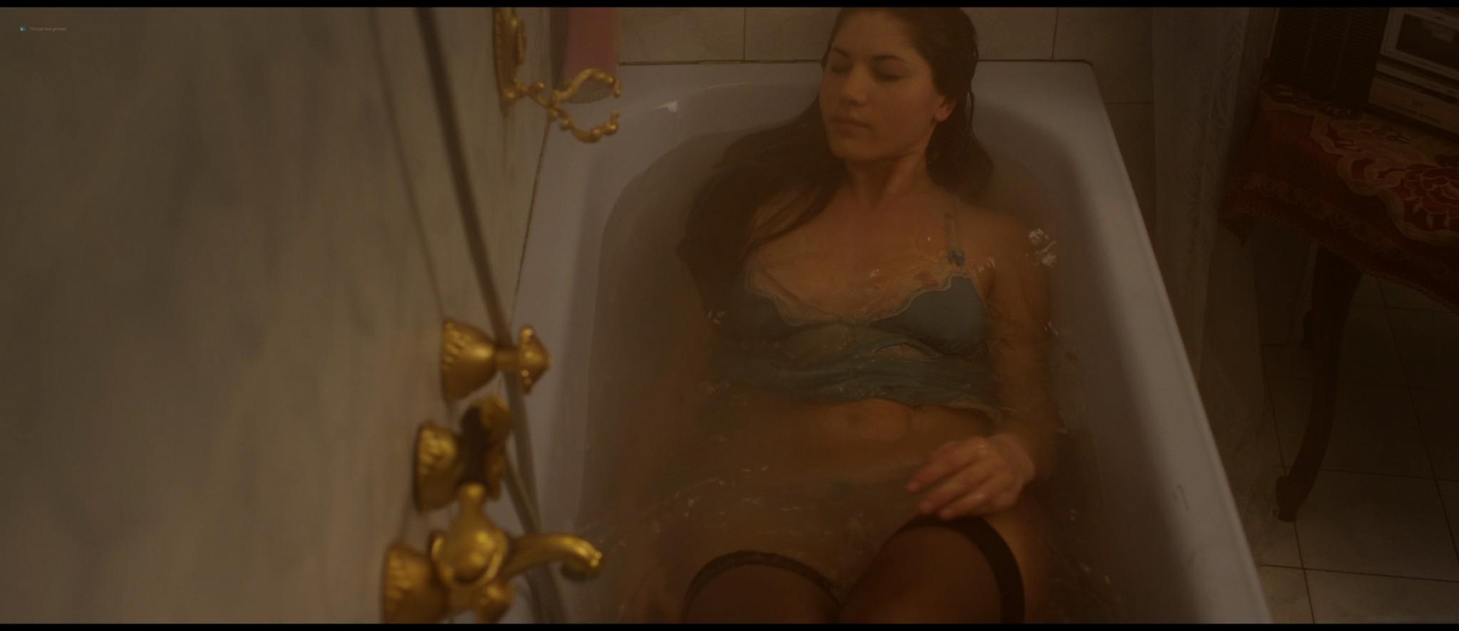 Elena Mirela nude Grazia Leone, Denny Méndez nude too - Blood Trap (2016) HD 1080p BluRay (11)