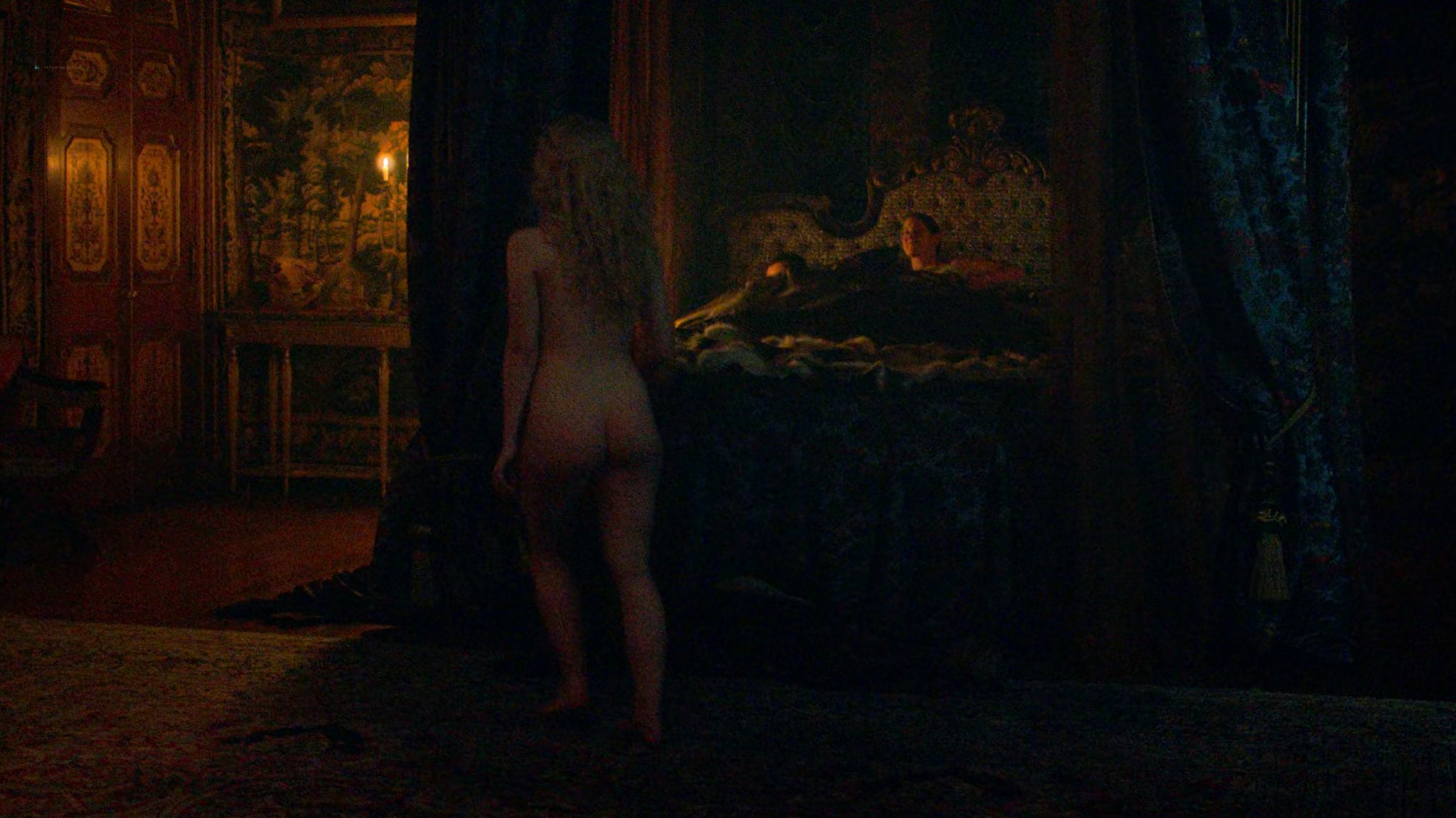 Elle Fanning nude butt and sex - The Great (2020) s1e1 UHD 2160p (2)