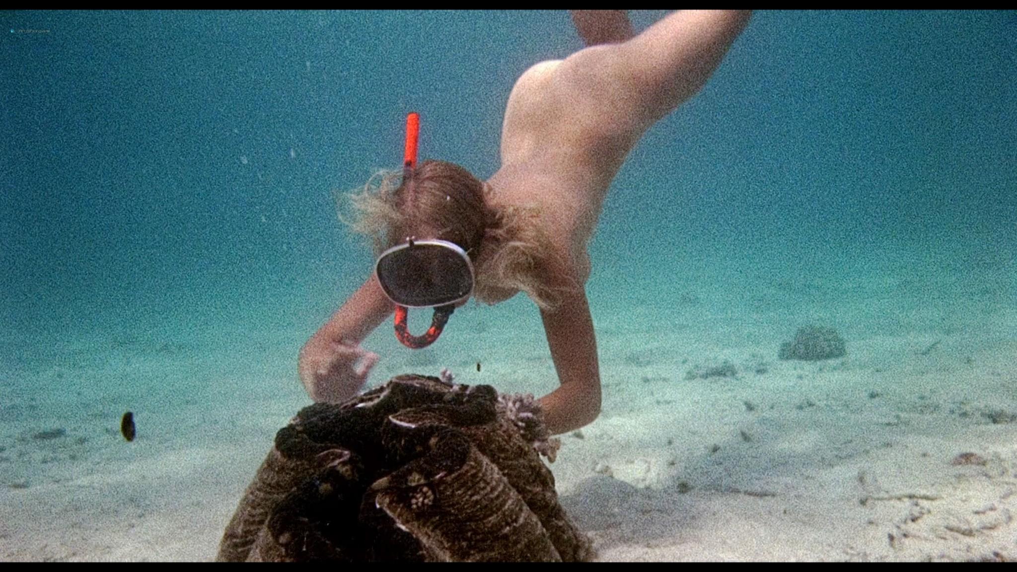 Helen Mirren nude skinny dipping Clarissa Kaye-Mason nude sex - Age of Consent (1969) HD 1080p BluRay Remux (13)