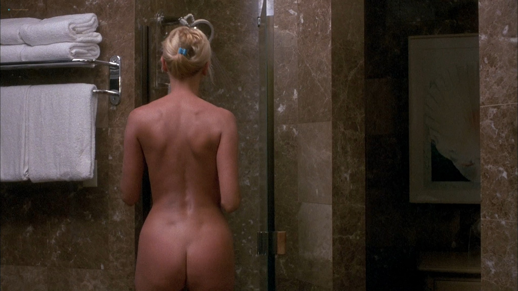 Kari Wuhrer wet and hot Amy Lindsay and others nude sex - Final Examination (2003) HD 1080p Web (15)