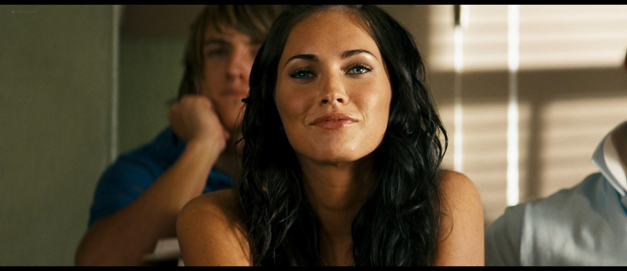 Megan Fox hot and sexy - Transformers (2007) HD 1080p BluRay Remux (20)