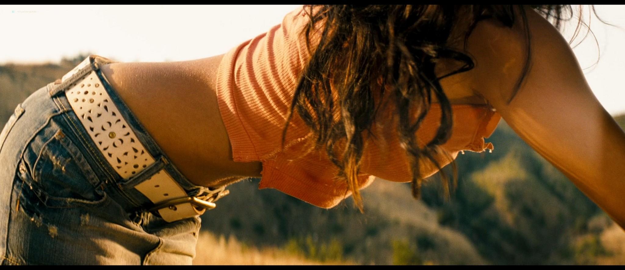 Megan Fox hot and sexy - Transformers (2007) HD 1080p BluRay Remux (13)