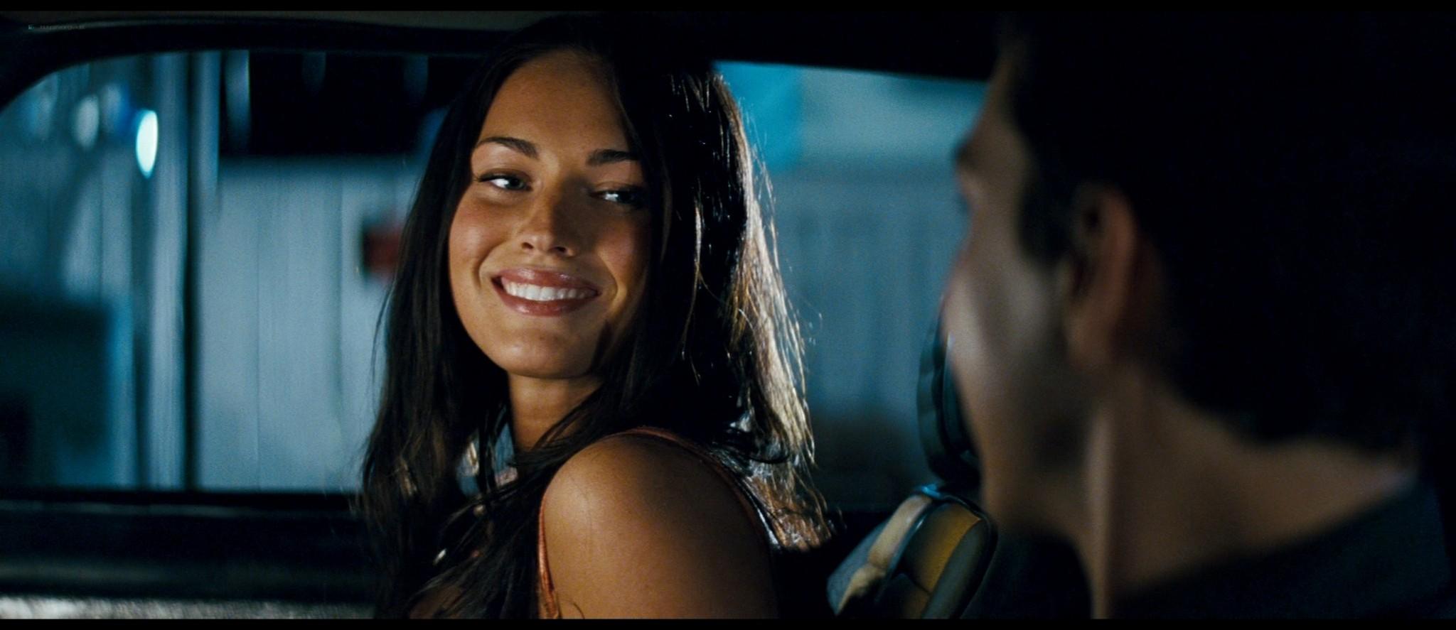 Megan Fox hot and sexy - Transformers (2007) HD 1080p BluRay Remux (10)