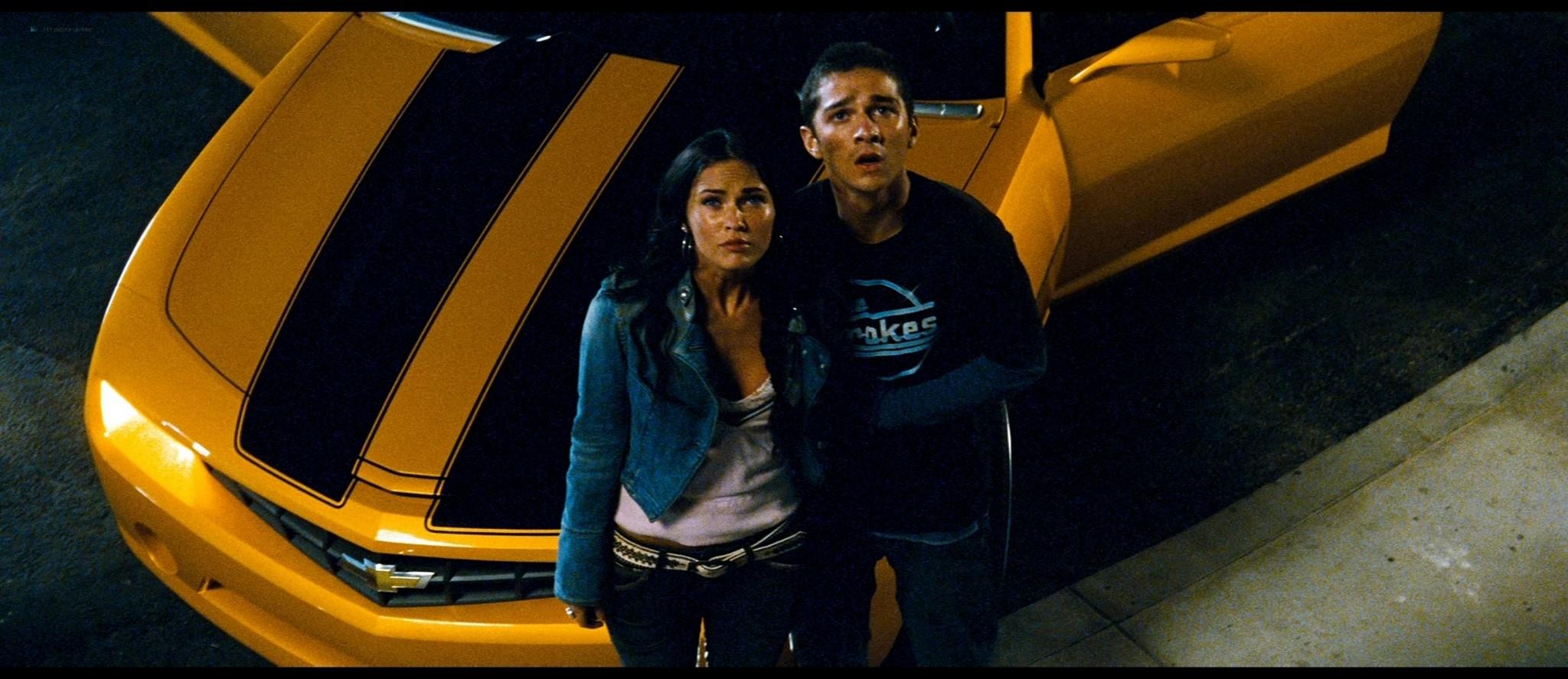 Megan Fox hot and sexy - Transformers (2007) HD 1080p BluRay Remux (6)