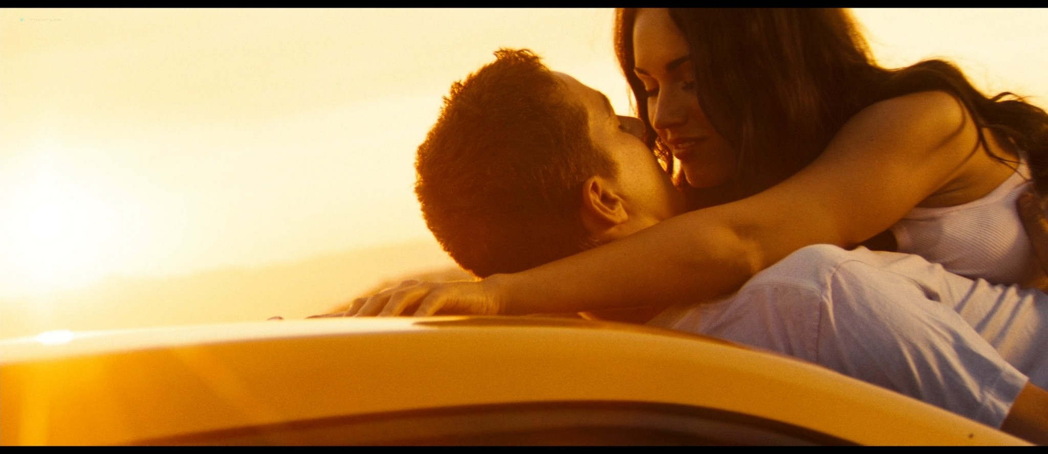 Megan Fox hot and sexy - Transformers (2007) HD 1080p BluRay Remux (2)