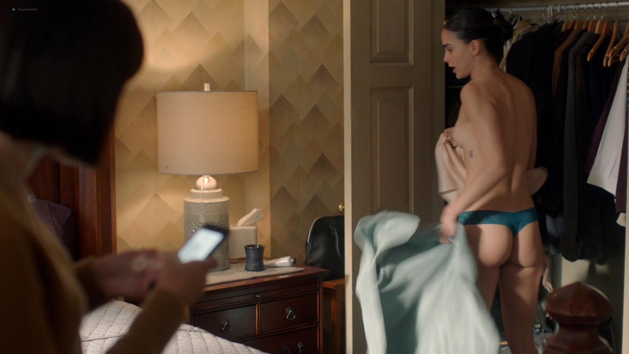 Melissa Barrera nude side boob - Vida (2020) s3e5 HD 1080p Web (7)