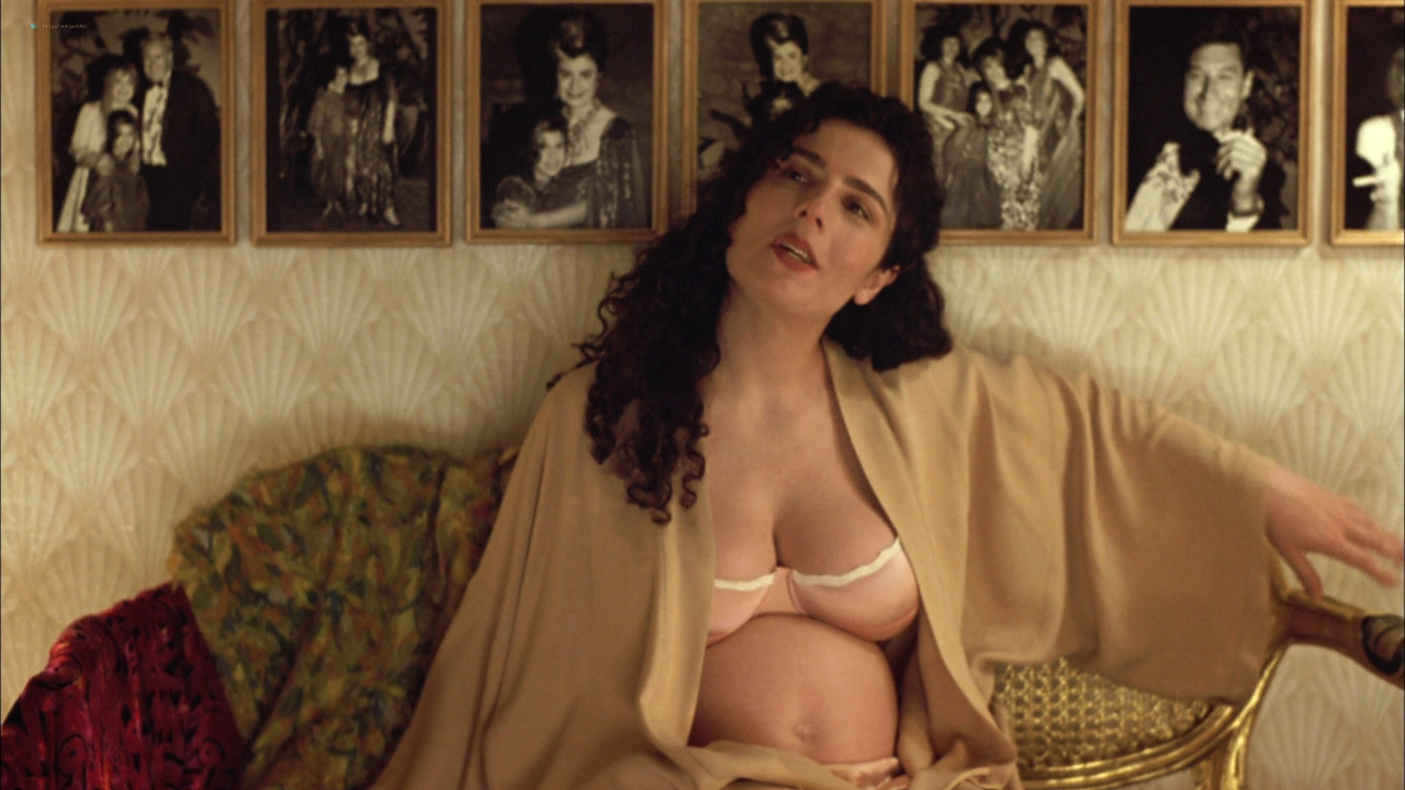 Mia Kirshner nude Arsinée Khanjian sexy - Exotica (1994) HD 1080p BluRay REMUX (12)