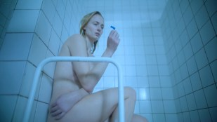 Sophie Turner nude covered in the shower Laurel Marsden sexy - Survive (2020) S1 HD 1080p Web