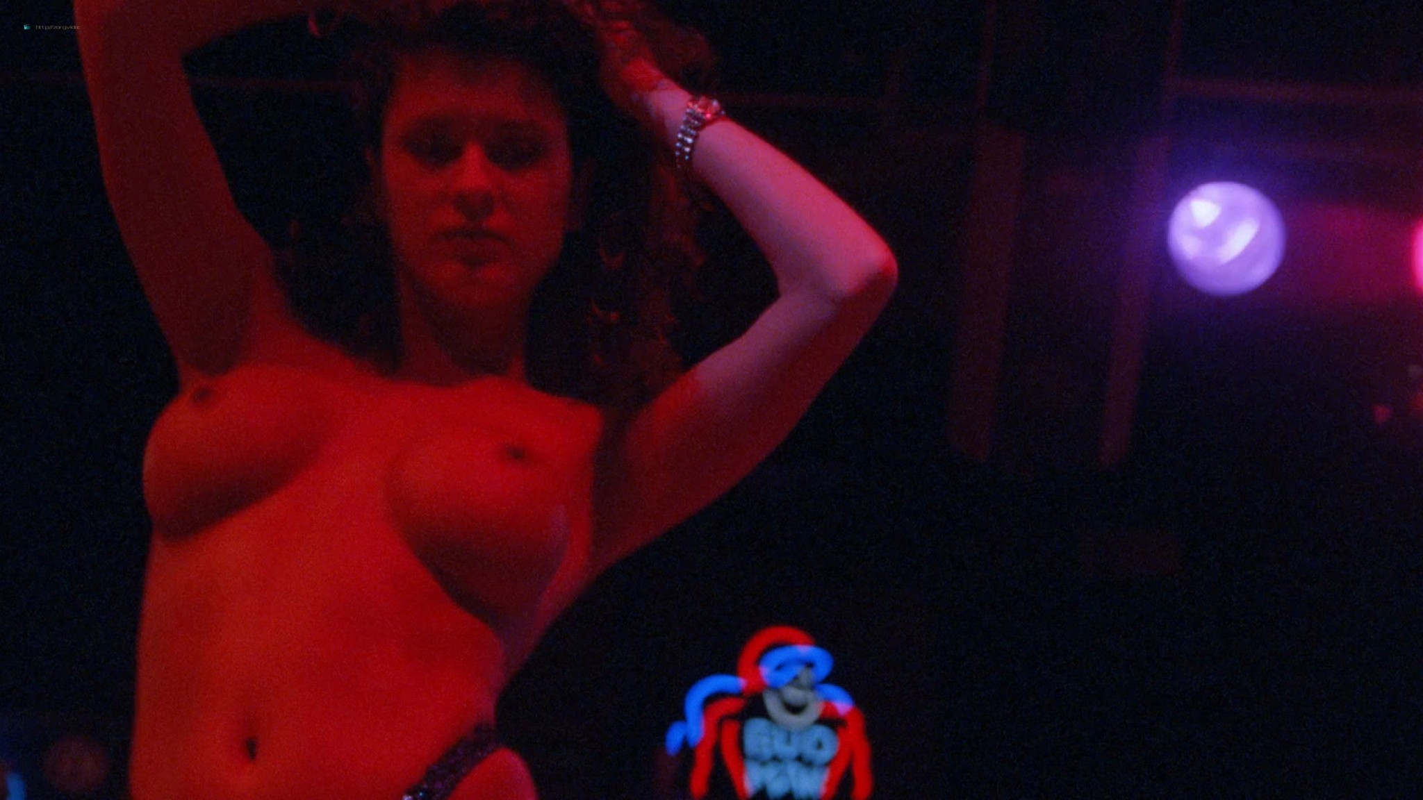 Suzi Simpson nude Julie Strain, Tai Collins and other nude too - Enemy Gold (1993) HD 1080p BluRay (12)