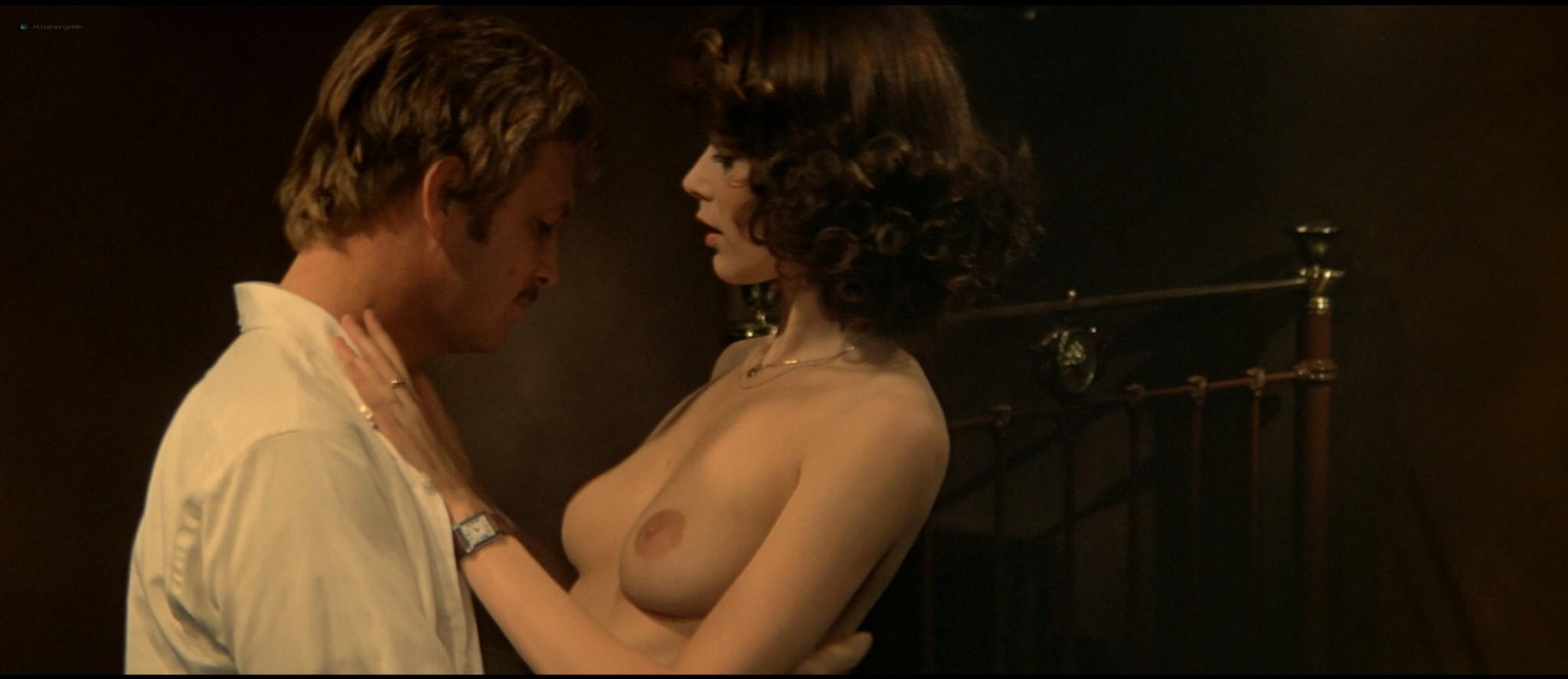 Sylvia Kristel nude sex threesome Catherine Rivet, Laura Gemser nude - Emmanuelle 2 (1975) HD 1080p REMUX (38)