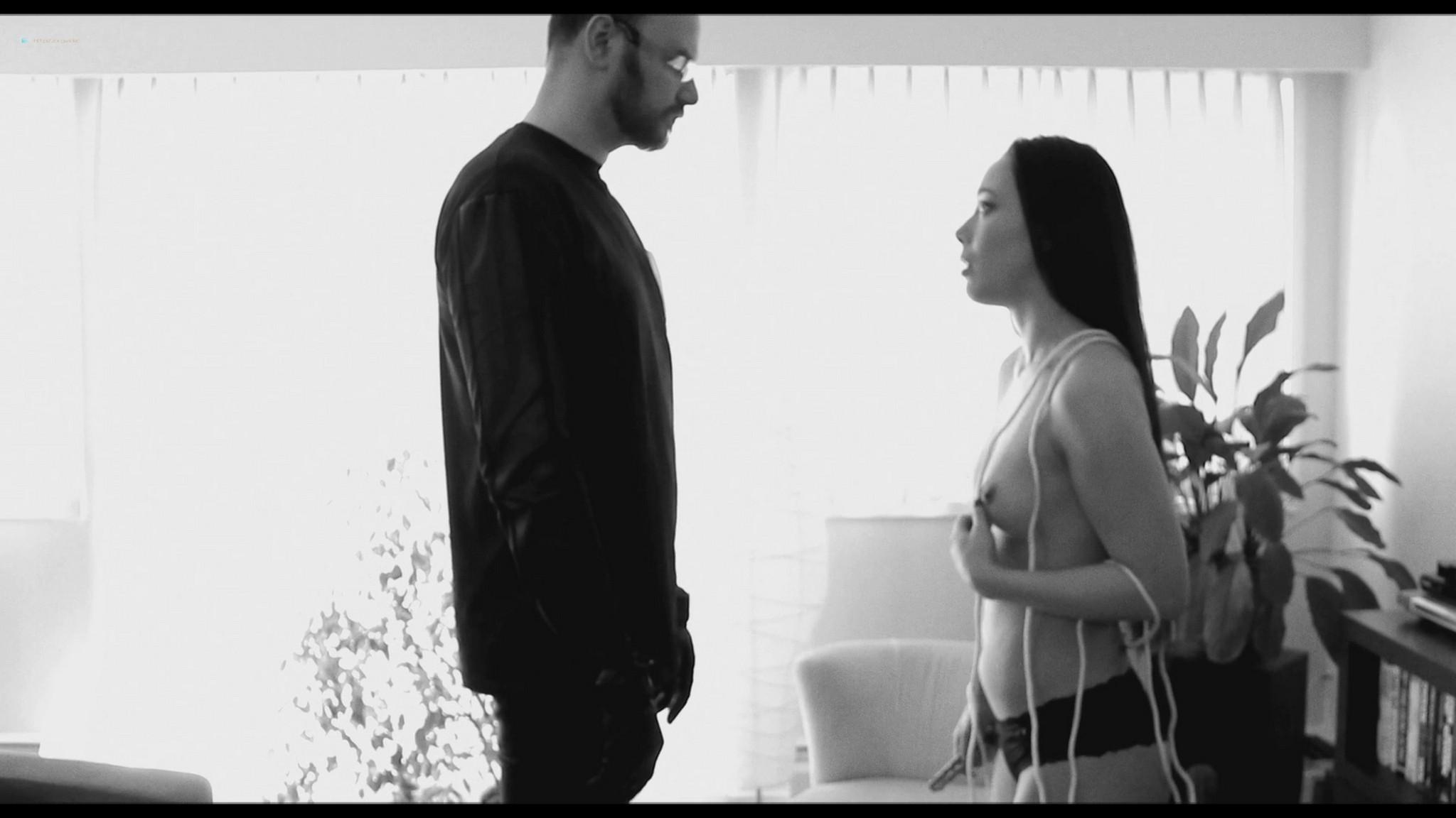 Tristan Risk nude full frontal Jessie Crabbe nude lesbian sex - Odissea della Morte (2018) HD 1080p Web (6)