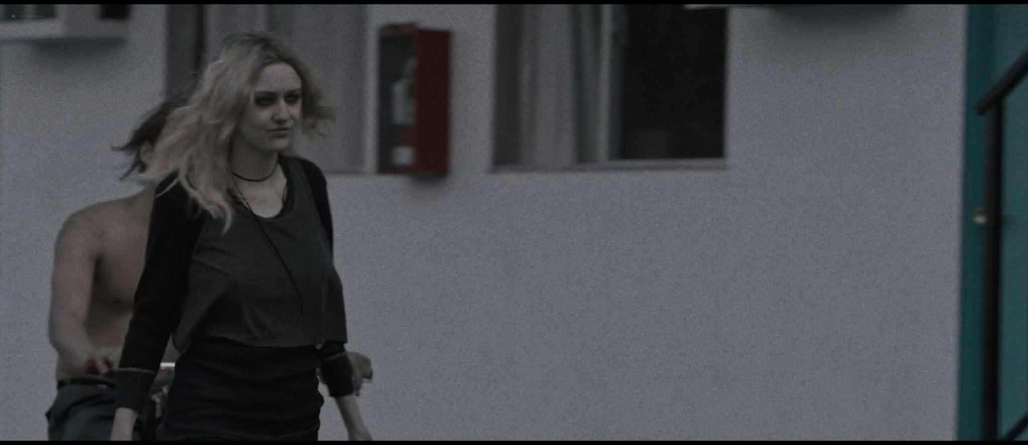 Dakota Fanning hot sex Evan Rachel Wood sexy - Viena and the Fantomes (2020) HD 1080p Web (19)