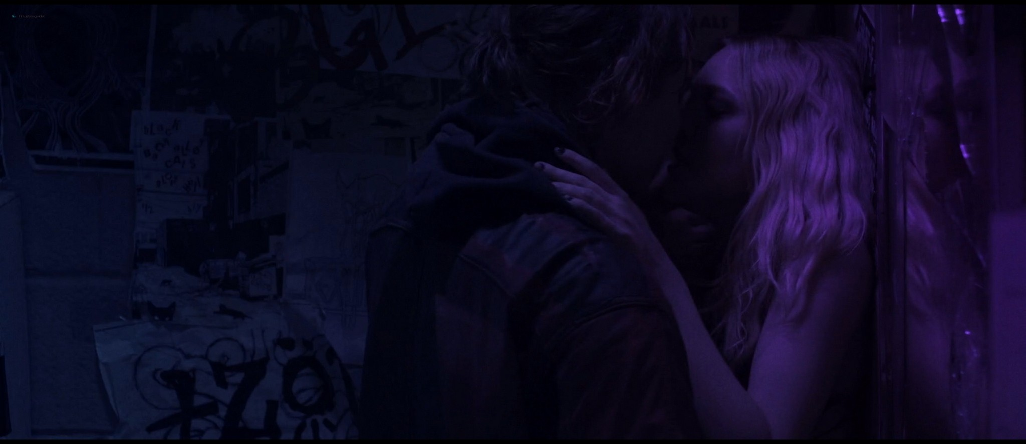 Dakota Fanning hot sex Evan Rachel Wood sexy - Viena and the Fantomes (2020) HD 1080p Web (18)