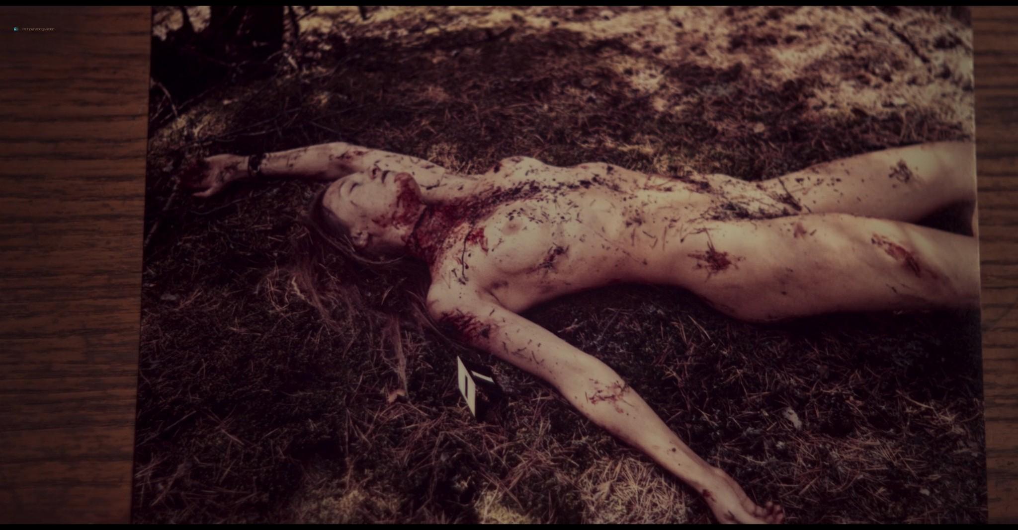 Kinga Jasik nude bush and sex Wiktoria Filus sex - The woods (2020) HD 1080p (11)