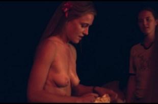 Kinga Jasik nude bush and sex Wiktoria Filus sex - The woods (2020) HD 1080p (3)
