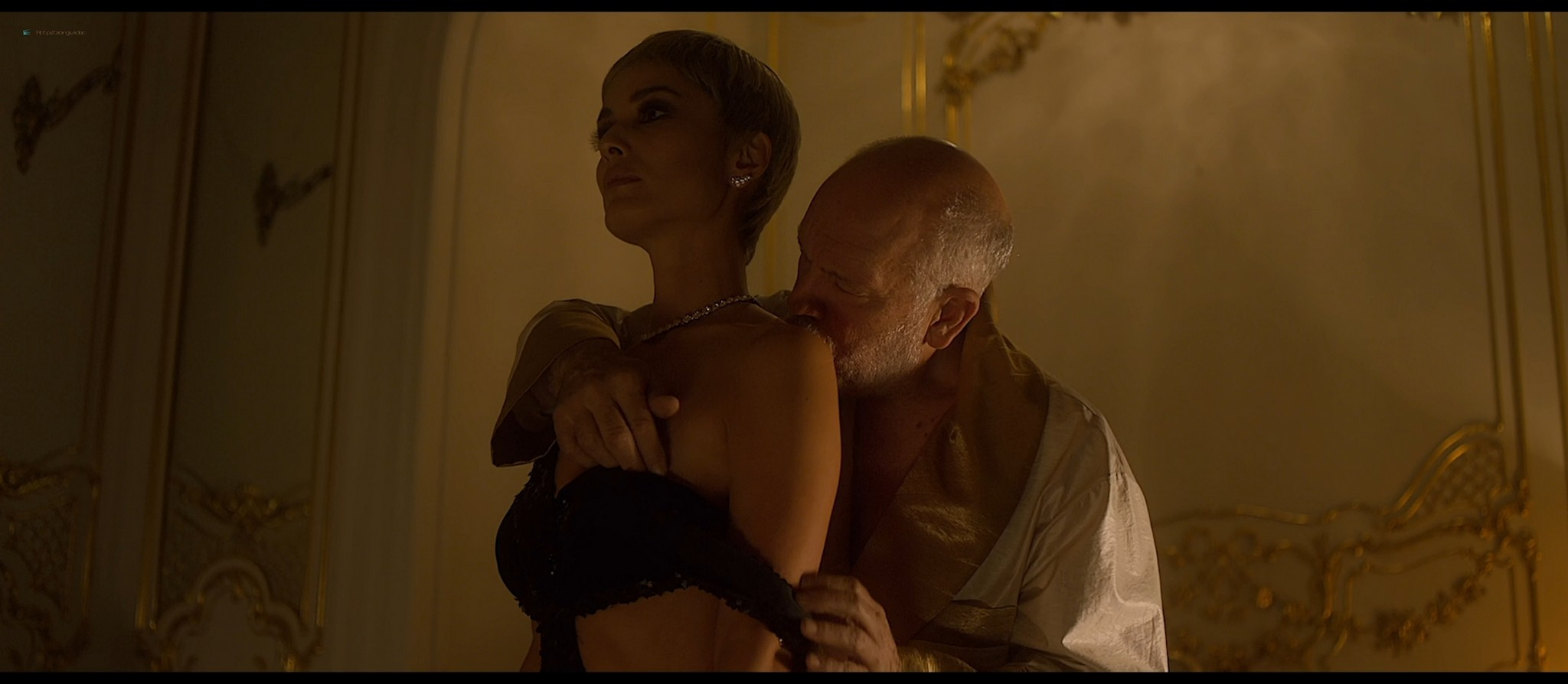 Bérénice Marlohe nude Jaime Ray Newman sexy Owee Rae butt naked - Valley of the Gods (2019) HD 1080p BluRay (14)
