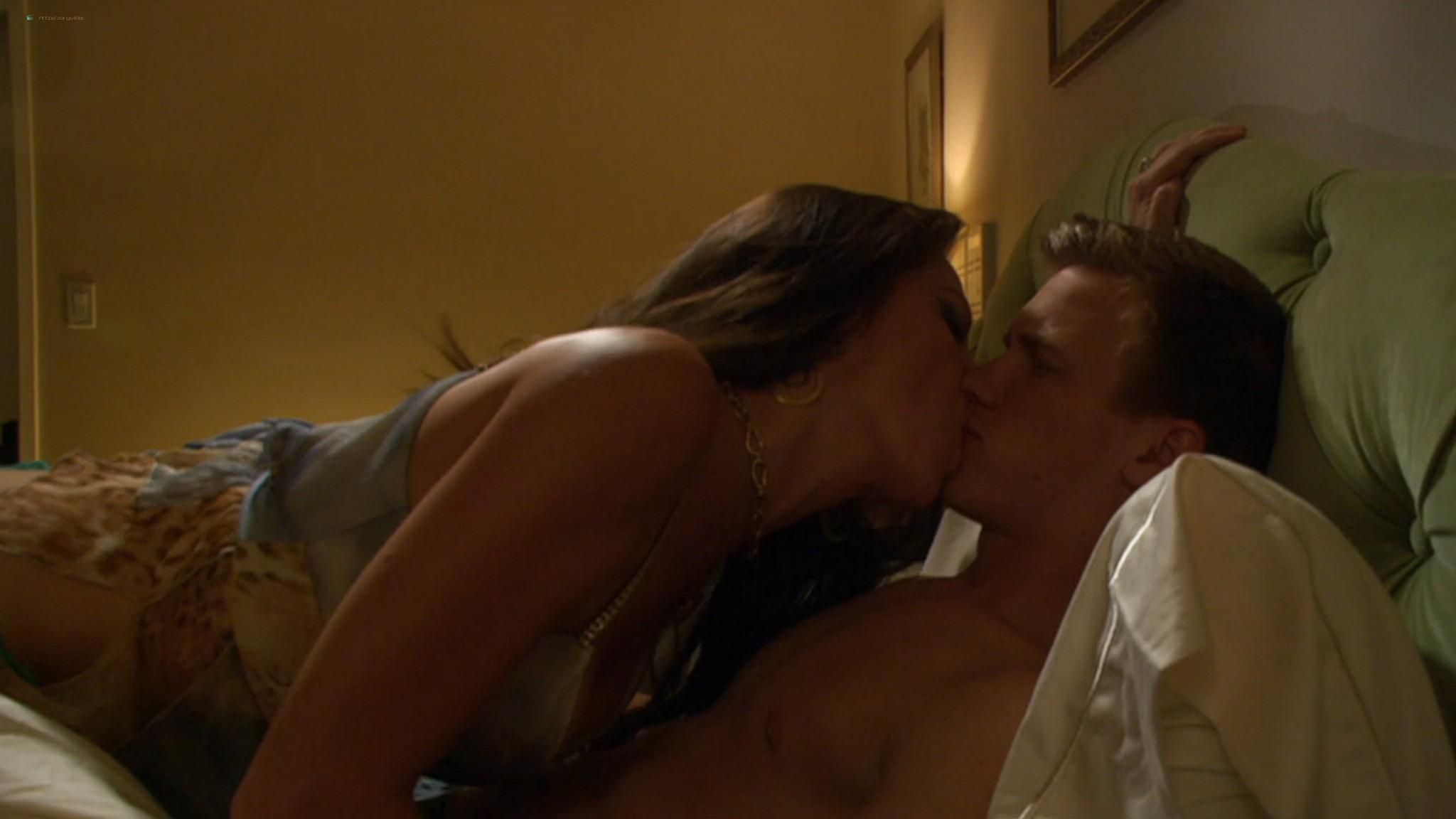Kaley Cuoco hot Izabella Scorupco sexy others nude - Cougar Club (2007) HD 1080p BluRay (11)