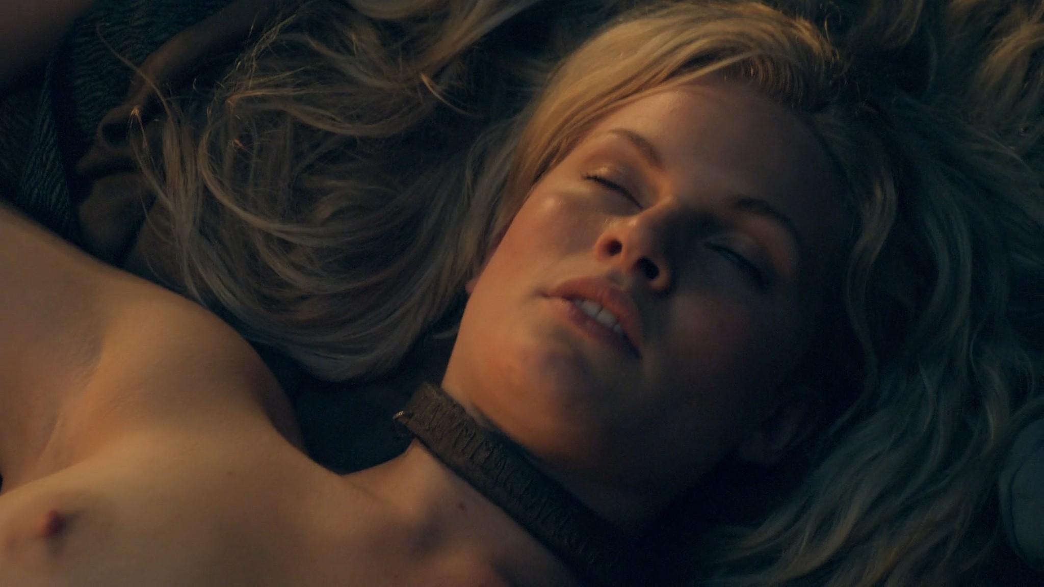 Viva Bianca nude Katrina Law, Bonnie Sveen all nude -Spartacus - Vengeance (2012) e2 1080p (16)